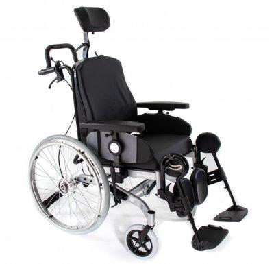 Solid komfortkørestol med gode funktioner