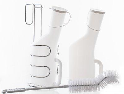 Urinkolbe til mænd med stativ og børste