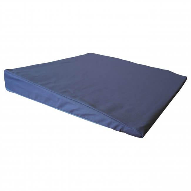 skråpude til seng Stor skråpude på 45x45x6 cm.   velegtil fx sengen skråpude til seng