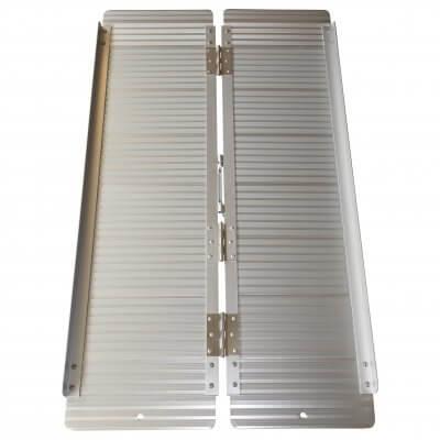 Kørestolsrampe i aluminium, foldbar, fås i fire længder