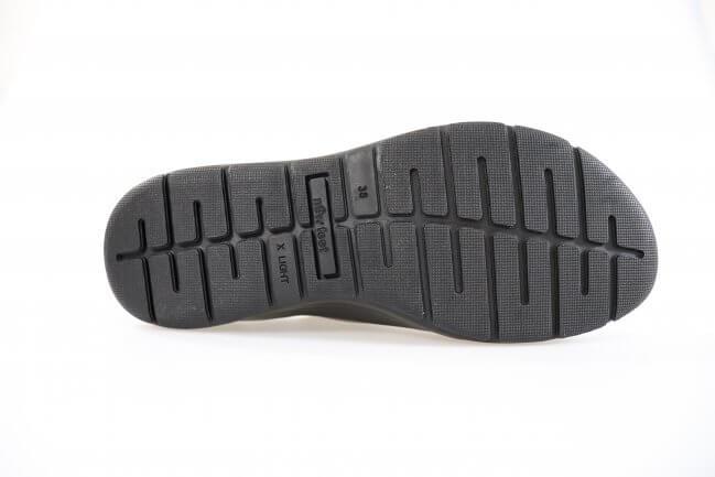b5f198396eb Skoens ydersål er fremstillet i X-light gummi, hvilket gør skoen let og  behagelig