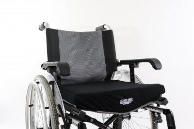 Puden giver en plan overflade når den ligger i en kørestol