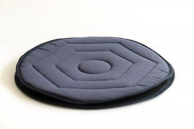 Praktisk drejeskive, som gør det nemt at dreje rundt på et bilsæde eller en stol