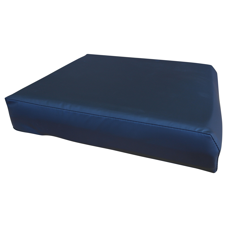 Trykaflastende siddepude med vandtæt betræk, fås i flere størrelser – pris 380.00
